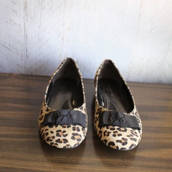 Isaac Mizrahi Shoes - ISAAC MIZRAHI Valentina Leopard Print Ballet Flats 3f4cb4317